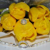 Yellow tulips and pearls