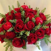Amazing bouquet of red roses