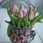 Beautiful pink tulip bouquet