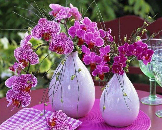 Pretty Orchid Decoration