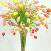 Colourful tulip bouquet