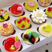 Cupcake flower decoration