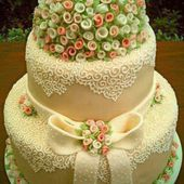 Amazing Flower Decorated Cake