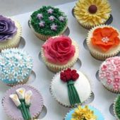Flower decorated cupcakes
