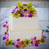 Cake with real orchids