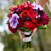 Red with a pop of purple bouquet