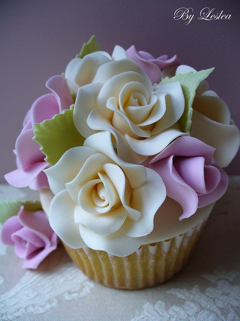 Lavender and cream roses cupcake