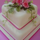 Awesome cake with pink roses