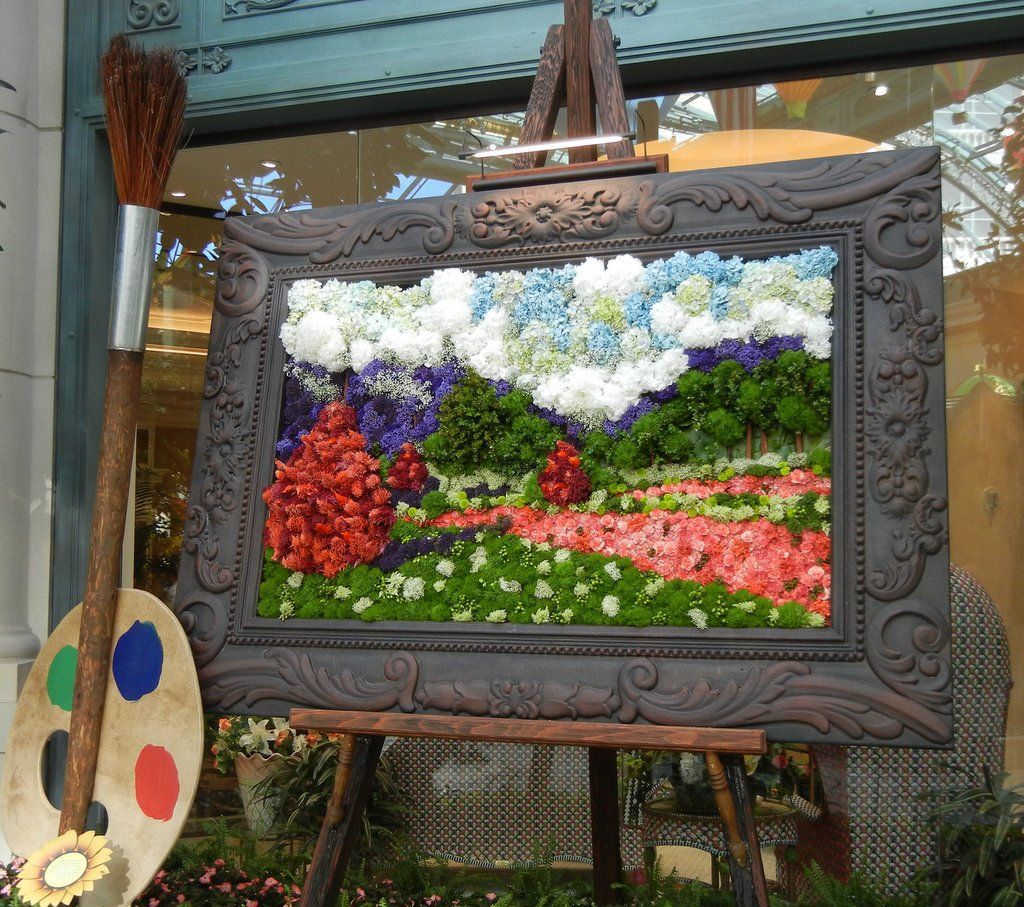 The 'painting' made of real flowers!