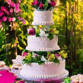 Awesome 3 tier wedding cake