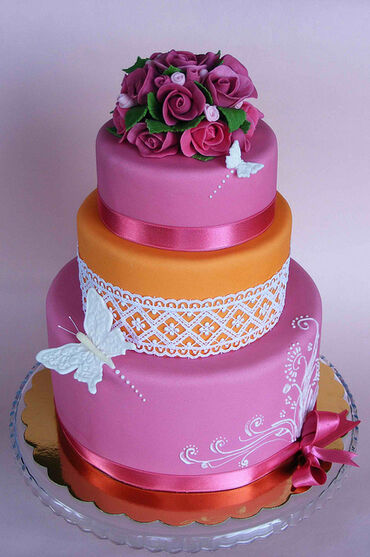Fucsia and orange cake